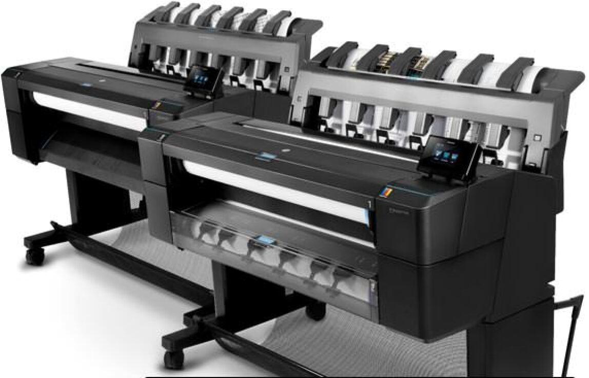 HP Designjet T920 ePrinter und im Vordergrund HP Designjet T1500 ePrinter