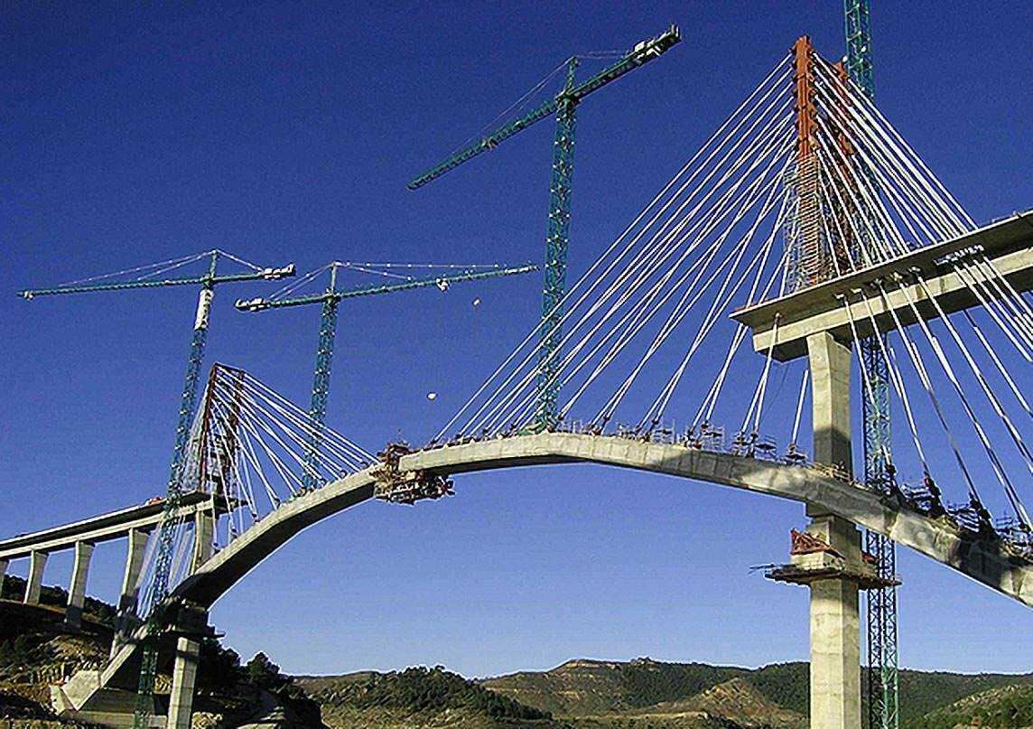 © BTG IT & Consulting GmbH / Viaduct over Contreras Reservoir, Spain (by courtesy of EIPSA, S.A. SENER, Spain)