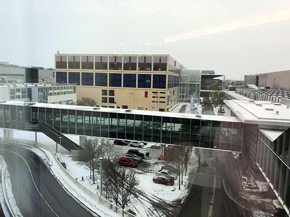 Die Light+Building geht los - mit etwas Schnee und unangenehmer Kälte Mitte März