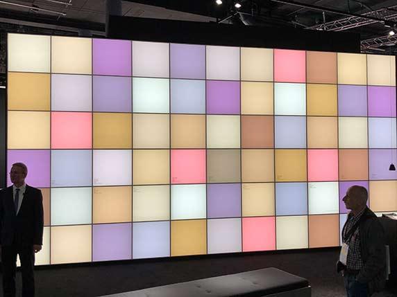 Lichtfarbe wird immer mehr thematisiert - hier eine Demowand bei Bäro in Halle 3 unten.