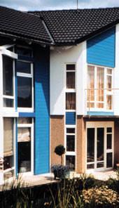 Fensterhersteller, Fensterrahmen, Fensterprofile, Fensterbau, Fensterbauer, Fenster, Verglasung, Wärmeschutz, Renovierung, Blendrahmen, Dreischeiben-Isolierglas, Energiesparbilanz, Niedrigenergie-Häuser, EnEV, Holzprofile