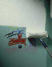 Wandfarbe, Wände streichen, Dispersionsfarbe, Raufasertapeten, Strukturputz, tapezierte Wände, Überstreichen, Maler, Stuckateure, Profi-Farben, Sto AG, Baumarkt, Farbe, Raufasertapete, emissionsarm, lösemittelfrei, Lösemittel, Weichmacher