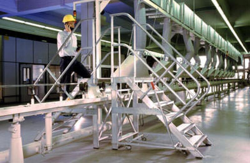 Überstieg, Förderband, Personenbrücke, Brücke, Steigtechnik, Treppen, Lenkrollen, Standsicherheit, Treppe, Stufen