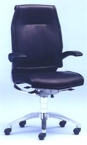 Bürodrehstuhl, Drehstuhl, Sitzkomfort, Bürostuhl, Bürostühle, Bürodrehstühle, Rückenlehne, Beckenkammstütze, Synchronmechanik, Sitztiefe, mikromotiv, Rückenbeschwerden