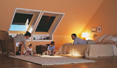 was passt gut in ein zimmer mit vielen schr gen wer weiss. Black Bedroom Furniture Sets. Home Design Ideas