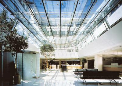 Isolierglas, Einscheibensicherheitsglas, Sicherheitsglas, beschichtete Wärmeschutzglas, ESG, Fensterscheibe, Sicherheitsgläser, vorgespanntes Glas, Biegefestigkeit
