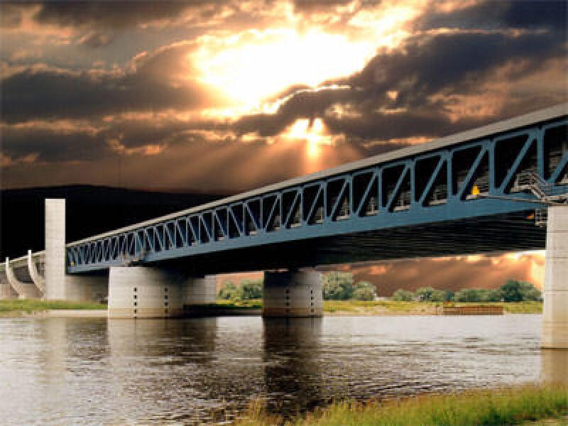 Brückenbau, Wasserbau, Wasserstraßenkreuz, Wasserbrücke, Verkehrsprojekt, Magedeburg, Wasserstraße, Wasserstraßenkreuzung, Brücke, Binnenschifffahrt, Bau, Stahlbeton, Stahlbau, Schiffshebewerk, Bauwerk
