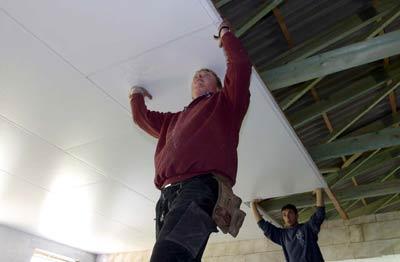 Trockenbau, Decke, Deckenflächen, Wohndecken, Trennwände, Drempelbekleidung, Dämmung, Rollladenkästen, Aufdachdämmung, gedämmte Decke, Dämmelemente, Luftdichtigkeit, Decken-Dämmung, Deckenverkleidung, Unterdecke, Feinpressspanplatten