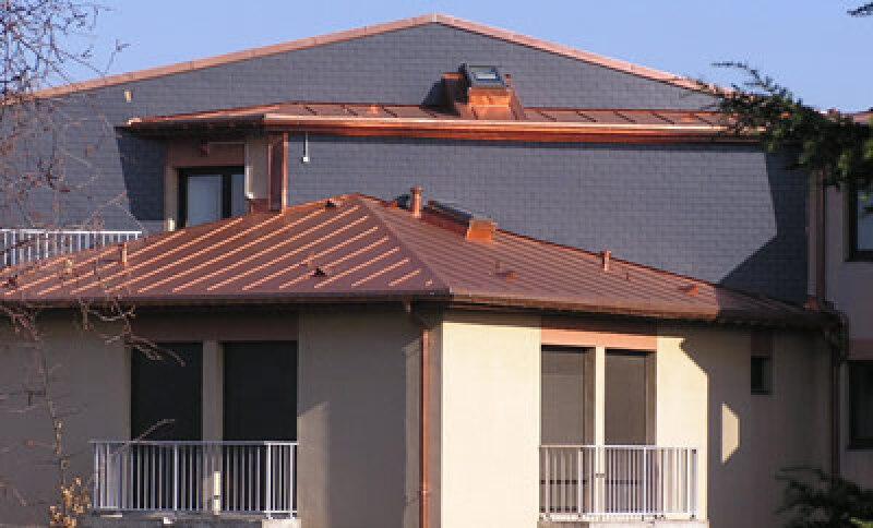 Kunststoffdach, Kuperdach, Kunststoffbedachung, Dachabdichtung, Dachfläche, Kupferblech, Bitumenschindel, Flachdachtechnologie, Kunststoff-Dachbahnen, Kunststoffvlies, Flächenbahn, Flächenbahnen