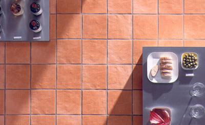 Wandbeläge, Bodenbeläge, Historismus, Wände, Böden, Wandbelag, Bodenbelag, Fliesen, Platten, Bordüren, Renovierung, Restaurierung, Altbaut, Einleger, Bodenfliesen, Wandfliesen