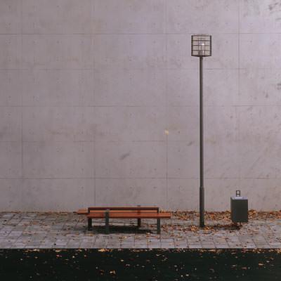 Stadtmöbel, Sitzbänke, Parkbänke, Sitzbank, Parkbank, Poller, Absperrsysteme, Mastleuchte, Wandleuchte, Fahrradständer, Brunnen, Baumscheiben, Baumscheibe, Baumschutzgitter, Abfallbehälter, Mastleuchten, Wandleuchten, Überspannungsleuchten