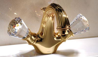 perlrand armaturen mit swarovski kristallgriffen goldene dreilochbatterie mit kristallgriffen. Black Bedroom Furniture Sets. Home Design Ideas