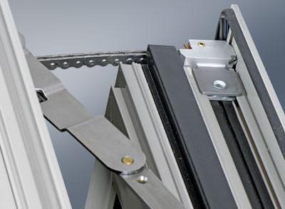 Fenster, Fensterautomation, mechatronischer Drehkipp-Beschlag, Gebäudeautomation, automatisches Fenster