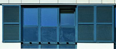 Fensterladen, Schiebelamellen, Schiebeladen, Fensterläden, Sichtschutz, Sonnenschutz, Wohnungsbau, Verwaltungsbau, Lamellen, Schiebelamellensystem