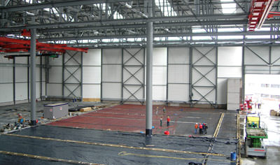 Industrieflächenheizung, Flächenheizung, Fußbodenheizung, Hallenheizung, Airbus Fertigungshalle, Hamburg Finkenwerder, Industriestrahlungsheizung