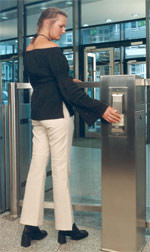 Zutrittskontrolle, Zugangskontrollen, Zutrittskontrollen, Zutrittskontrollsoftware, Zutrittskontrollsystem, Pförtner, Fluchtwegtür, Fluchtwegtüren, Durchgangssperre