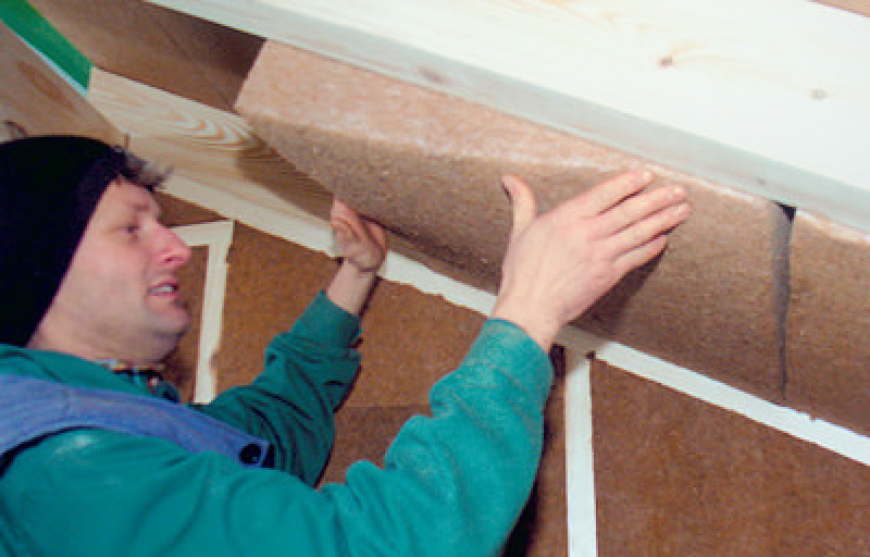 Holzfaser-Dämmung für sommerlichen Wärmeschutz