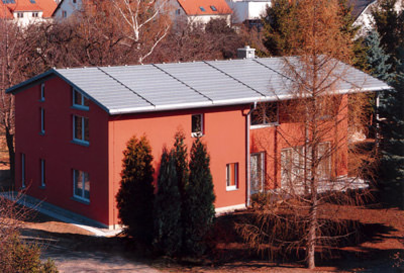 Deutsches Dachzentrum e.V., Geneigte Dächer, Dachbaustoffe, Geneigtes Dach, Dachdeckung, Bedachung, Steildach, Titanzink, Zinkdach, Dachfenster, Dachwohnfenster