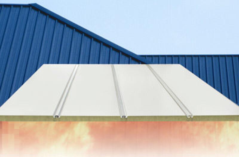 Stahl-Sandwichelemente als Dachpaneele für Metalldächer von ThyssenKrupp Hoesch Bausystemes