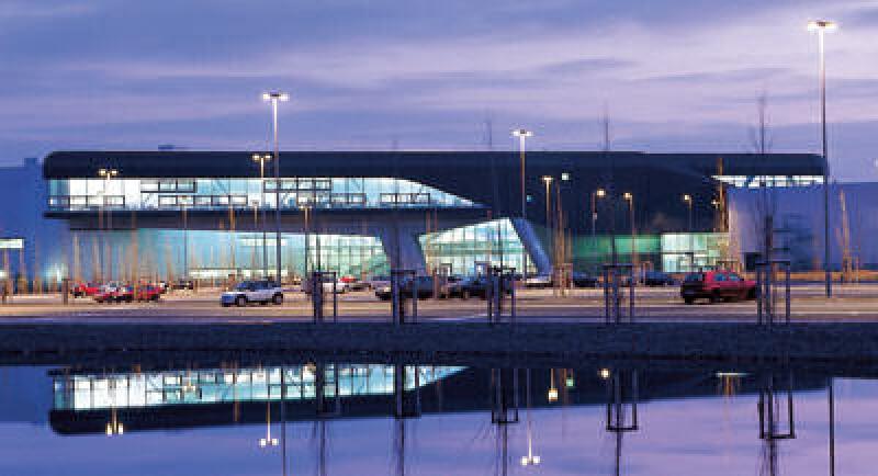 Industriearchitektur, Deutscher Architekturpreis 2005, Zaha Hadid, Londoner Architektin Zaha Hadid, BMW Zentralgebäude, Werk Leipzig, Industriebau