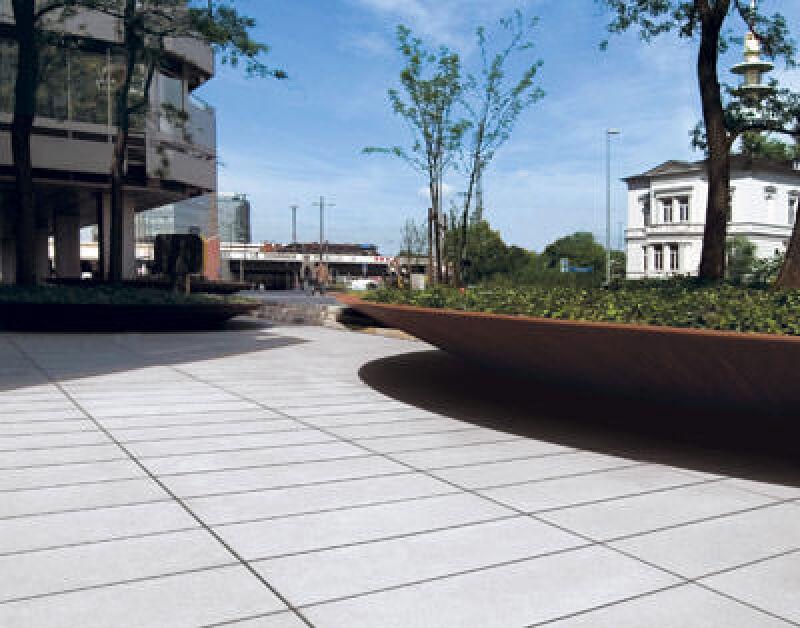 Betonplatten, Betonpflaster, großformatige Pflastersteine, großformatiger Pflasterstein, Gehwegpflaster, Pflaster, Pflasterstein, Pflastersteine