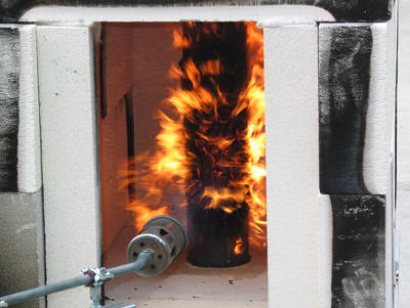Abwasserleitung, Abwasserrohr, Brandverhalten, Hausabfluß, Kunststoffrohre, Rohrleitungen, Rohrleitung, Abwasserleitungen, Abwasserrohre, Kunststoffrohre, Brandschutzmanschette, Brandschutz