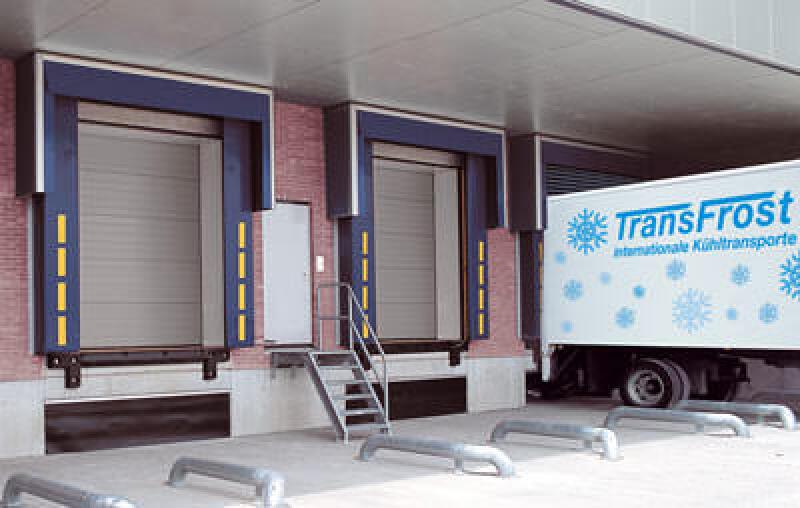wärmegedämmtes Tor, wärmegedämmte Industrietor, Kühlhallentor, Industrie-Sectionaltor, Wärmedämmtor, Wärmedämmtore,  Hallentor, Wärmeschutztor, Isoliertor, Sectionaltore, Sektionaltor