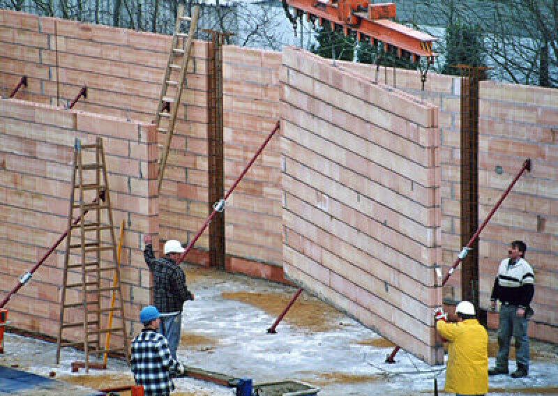 Baubilanz 2006, Baukrise, Hauptverband der Deutschen Bauindustrie, deutsche Bauindustrie, Umsatz, Auftragseingänge, Bauhauptgewerbe, Bauunternehmen, Wirtschaftsbau, Wohnungsbau, Öffentlicher Bau