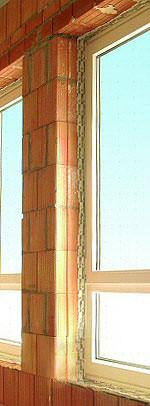 Fensteranschluß, Fenstereinbau, Fensteranschlüsse, Ziegelmauerwerk, wärmebrückenfreier Fenstereinbau, Fenstermontage, Mauerwerk, Ziegelmauer, Wärmeschutz, Luftdichtheit