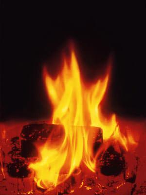damit ein kaminfeuer richtig brennt und unweltvertr glich ist. Black Bedroom Furniture Sets. Home Design Ideas