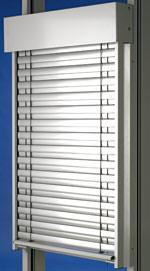 Sonnenschutz, Blendschutz, Raffstore, windstabiler Raffstore, Windgeschwindigkeit, außenliegender Sonnenschutz, Führungsschiene