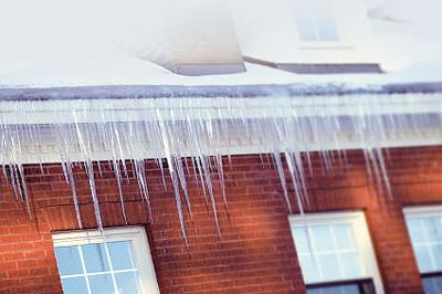 Dachheizung, Steildachheizung, Schrägdachheizung, Dachrinnenheizung, Heizleitungen, Heizleitung, Heizleiter, schneebelastete Dächer, Dachkonstruktion, Pappschnee, Heizung, Kaltleiteranschlüsse