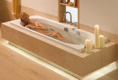 Whirlpool, Whirlwanne, Whirlpools, Whirlwannen, Whirldüsen, Turbinen, Wasser-Massage, Venturi-Prinzip, Wasserstrahl, Desinfektion, Hygiene