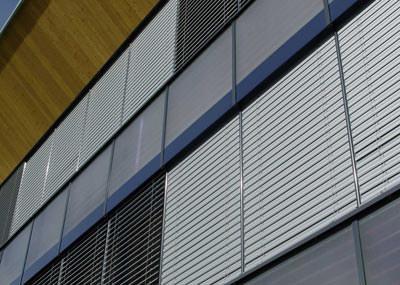 Sonnenschutz, Sichtschutz, Wetterschutz, Lichtlenkung, Aluminium-Legierung, Lamellen, stranggepresstes Aluminiumprofil, Kegelnockenbandsystem