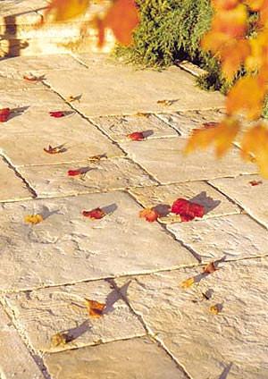 Natursteinpflaster, Betonsteinpflaster, Betonpflaster, Betonstein, Platten, Stufen, Randsteine, Betonstufe, Naturstein, Naturstein-Nachbildungen, Betonstufen, Betonstein, Mauerkrone, Abdeckplatte, Schiefergrau, Terrakotta, Stufenblock, Abdeckplatten, Plattenbeläge