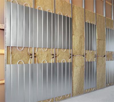 Wandheizung, Ständerwand, Trockenbauwand, Flächenheizung für Ständerwände, Wandheizung für Trockenbauwände, niedrige Oberflächentemperatur, omegaförmige Rohrführung, Vorwand-Konstruktion, oberflächennahes Wandheizungssystem