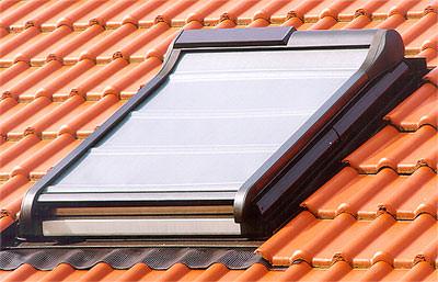 Dachflächenfenster detail roto  Neue Außenmarkise für Wohndachfenster