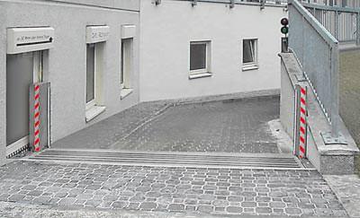... aus dem Beitrag '<a href='http://www.baulinks.de/webplugin/2006/1424.php4'>Patentiertes Klappschott schützt vor Überschwemmung und in Gefahrstofflagern</a>' vom 17.8.2006