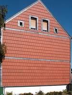 Fassadenziegel, Fassaden, hinterlüftete Vorhangfassaden, Ziegelfassade, Fassade, Vorhangfassade, Tondachziegel, Witterungsschutz, Ziegel, Überdeckung, Dach, Konterlattung, Gebäudehülle, vorgehängte hinterlüftete Fassade