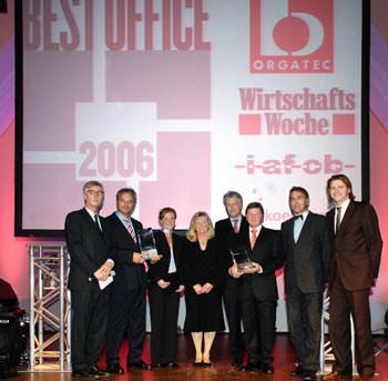 Büroplanung, Best Offices, orgatec, Rehau, BMW, Bürokonzepte, Büroeinrichtung, Arbeitsabläufe, Besprechungstisch, Schrankwände, ausziehbare Schubladen, Bürowelt, Gruppenschreibtische, Open-Space-Büro