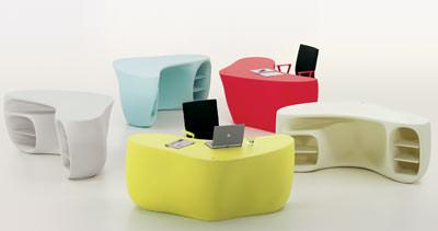 Schreibtisch, Büroschreibtisch von Philippe Starck, Bürokultur, Möbeldesign, Systemmöbel, Polyethylen-Schreibtisch, Polyurethan-Tischplatte, Büroeinrichtung
