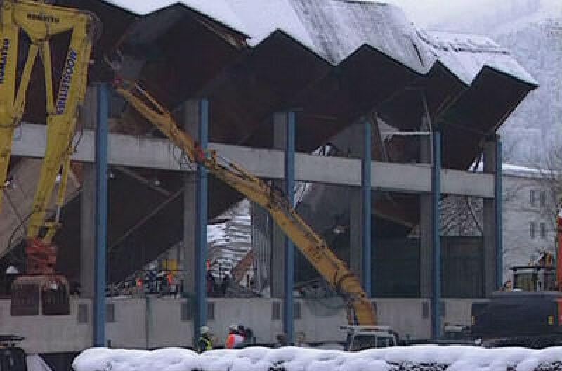 eingestürzte Eissporthalle in Bad Reichenhall