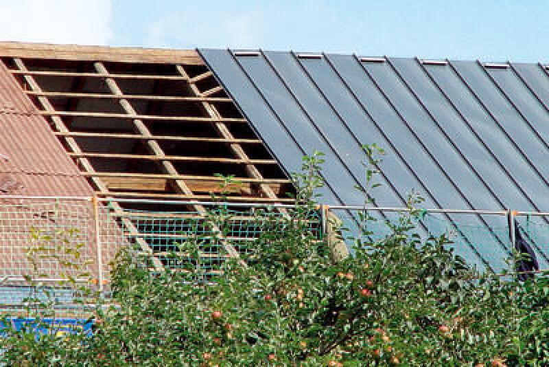 Metalldach, Kupferdach, verzinktes Stahlblech, Doppelstehfalz-Dächer, Metalldach-Eindeckungen, Stehfalz, Dacheindecken, Dacheindeckung, moderne Architektur, Dachfläche, Dachkonstruktionen, Asbestdach, Kunstschiefer, Bitumendach