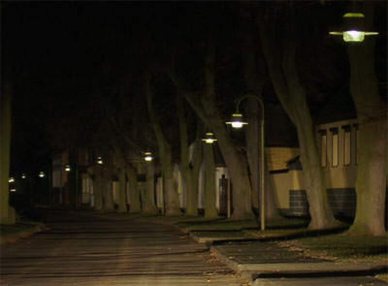 Straßenlampe, Straßenlampen, Straßenbeleuchtung, Gasentladungslampe, Gasentladungslampen, Dimmer, Energiekosten, Brennspannung