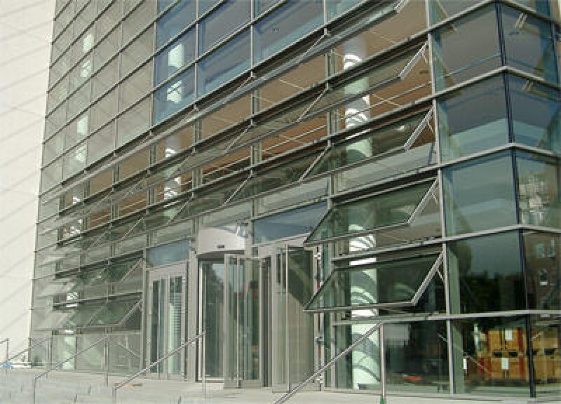 Lichtband, Lichtkuppel, RWA-Anlage, RWA-Anlagen, Fassade, Lichtkuppeln, Lichtbänder, Lichtdach, STG BEIKIRCH GmbH & Co. KG, Schüco International KG