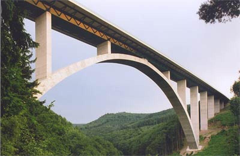 Deutscher Brückenbaupreis 2006, Talbrücke über die Wilde Gera in Thüringen, Straßenbrücke, Eisenbahnbrücke, Ingenieurbau, Straßenbrücken, Eisenbahnbrücken, Ingenieurbauten