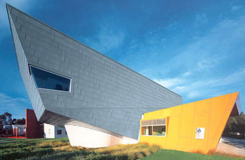 Fassadenbekleidung, Metallfassade, Fassadenverkleidung, Zinkfassade, Fassade, RHEINZINK-Großraute, Fassadensystem
