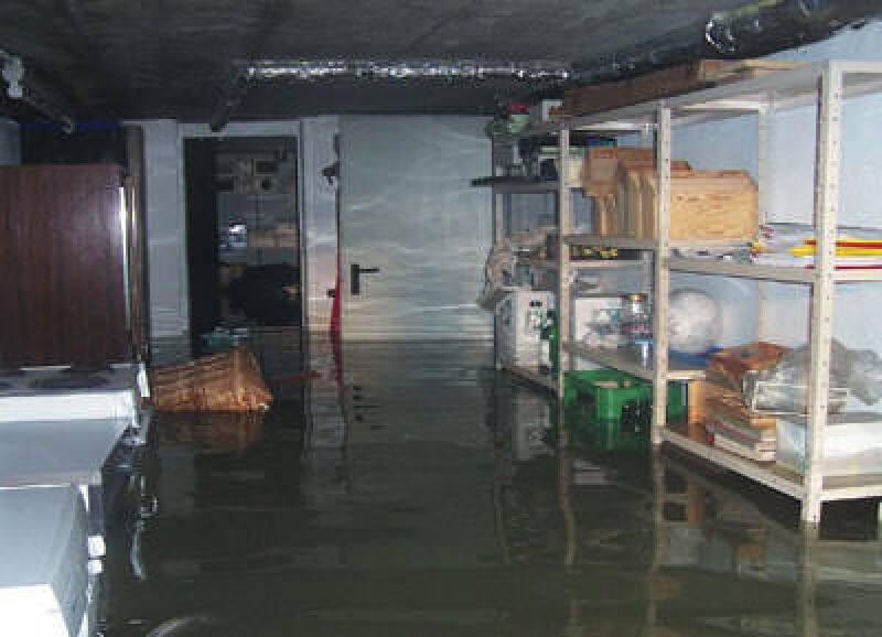 überschwemmter Keller