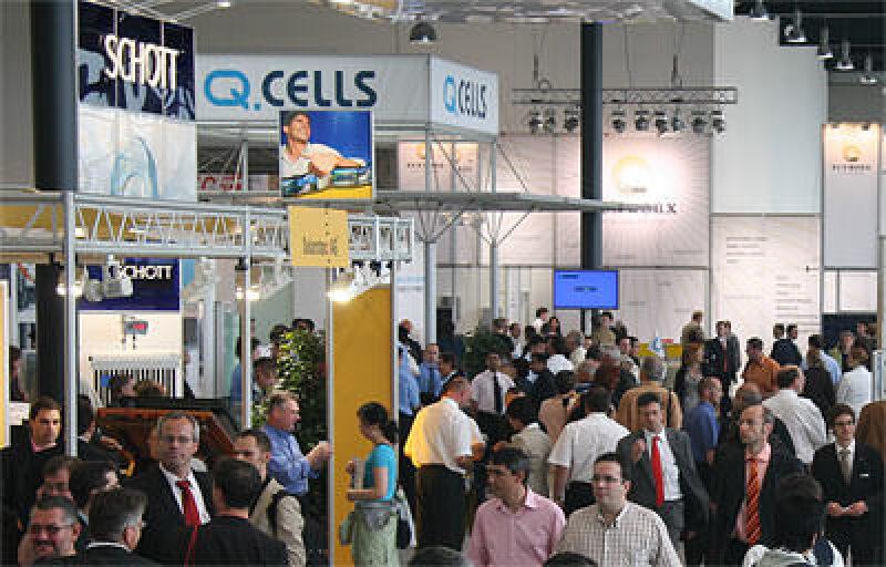 Solarmesse, Intersolar 2006, Solarbranche, Solartechnik, Siliziumknappheit, Photovoltaik, Solarthermie, Solares Bauen