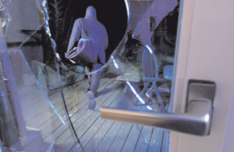 Einbruchschutz, Sicherungstechnik, Einbruch, Gebäudesicherung, Terrassentür, Fenster, Haustür, sicherheitstechnische Absicherung, Kriminalstatistik, Einbrüche, Wohnungstür, einbruchhemmende Türen